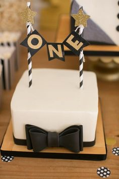 Mr. ONEderful Tuxedo Themed 1st Birthday Party via Kara's Party Ideas KarasPartyIdeas.com Party supplies, recipes, tutorials, printables, cake, invitation, desserts, backdrops, banners, and more! #tuxedoparty #tuxparty #littleman #littlemanparty #bowtieparty #karaspartyideas #mronederful #mrwonderful #1stbirthday #firstbirthday #bowtiebash #partystyling #partyplanning (62)
