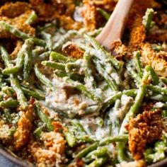 Creamy Green Bean Casserole from Scratch: It's creamy, it's comforting—what more could you want as a Thanksgiving day side dish? Click through to find more easy green bean casserole recipes. (easy baking recipes from scratch) Best Thanksgiving Side Dishes, Thanksgiving Appetizers, Thanksgiving Recipes, Thanksgiving Turkey, Fall Recipes, Traditional Thanksgiving Sides, Thanksgiving Green Bean Casserole, Healthy Green Bean Casserole, Thanksgiving Vegetables