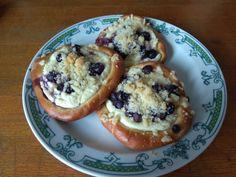 Čučoriedkové koláče s tvarohom • recept • bonvivani.sk Mekka, Muffin, Breakfast, Anna, Hampers, Morning Coffee, Muffins, Cupcakes