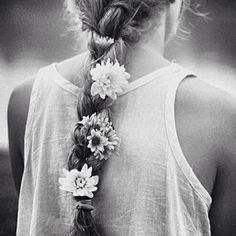 with love in her eyes and flowers in her hair // boho beauty