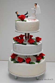 Die 17 Besten Bilder Von Hochzeitstorte Cake Wedding Red Rose