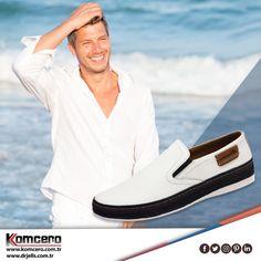 Bırakın Komcero rahatlığı, tatilinize konfor katsın... #Komcero #ayakkabı #fashion #moda #AyağınızdakiEnerji
