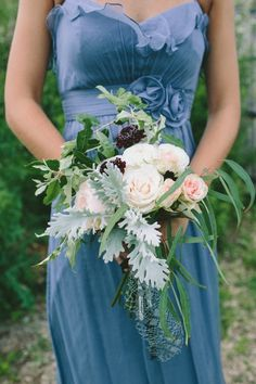 Love the natural look of this #bouquet   Photography: http://laurenfairphotography.com   Design: www.oleanderbotanicals.com