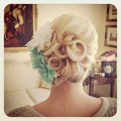 Bridesmaid hair up - pretty for Dominique Vintage Wedding Hair, Wedding Hair And Makeup, Bridal Hair, Hair Makeup, Bridesmaid Hairstyles, Bride Hairstyles, Retro Hairstyles, Formal Hairstyles, Hair Inspiration