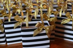 Items similar to Black and white stripe party favor bag with gold bow and handles on Etsy - Lo Que Necesitas Saber Para La Fiesta Kate Spade Party, Kate Spade Bridal, Black Gold Party, Black And Gold Party Decorations, 60th Birthday Party, Birthday Gifts, Birthday Ideas, Gold Baby Showers, Party Favor Bags