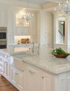Luxury Kitchen 98 Amazing White Kitchen Cabinets Decor Ideas For Farmhouse Style Design - Page 28 of 99 Kitchen Cabinets Decor, Kitchen Cabinet Design, Kitchen Redo, Home Decor Kitchen, Kitchen Ideas, Kitchen Countertops, Kitchen Faucets, Kitchen White, Kitchen Island