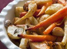 Légumes rôtis au four : carottes, panais, navets, ail, échalotte, romarin