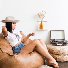 A cozy spot to sink in and prop yourself for movies, games or afternoon lounging, our Modern Lounger is covered in saddle-style upholstery that creates the look and feel of well-worn leather. In a cool cube-inspired shape, it's a modern take on ou… Leather Bean Bag Chair, Teen Bedroom Furniture, Cool Cube, Yacht Interior, Interior Design, Pottery Barn Teen, Lounge Seating, Pbteen, Normal Wear And Tear