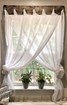 If you are looking for Modern Farmhouse Living Room Decor Ideas, You come to the right place. Here are the Modern Farmhouse Living Room Decor Idea. Farmhouse Curtains, Farmhouse Windows, Farmhouse Decor, Modern Farmhouse, Farmhouse Ideas, Farmhouse Style, Country Style, Farmhouse Design, French Country