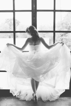 Ballet Inspired Bride | photography by http://www.sarahmckenziephoto.com/