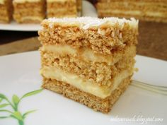 Miodownik z masą śmietanową Polish Desserts, Polish Recipes, Hungarian Cake, Good Food, Yummy Food, Homemade Cakes, International Recipes, Cake Recipes, Food And Drink