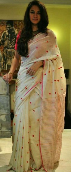 The softness of fine cotton the delicate pink and orange tassels across the body of the saree and the simplicity of the striped border and thin border Saris, Indian Dresses, Indian Outfits, Indian Clothes, Formal Saree, Dress Formal, Simple Sarees, Indian Attire, Indian Wear