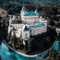 Bojnice Castle, Bojnice, Slovakia, photo by Beautiful Castles, Beautiful Buildings, Beautiful Places, Fantasy Castle, Fairytale Castle, Enchanted Castle, Places To Travel, Places To Go, Medieval Castle