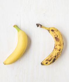 Three ways to take your banana from green to palate-pleasing yellow. Ripe Banana Recipe, Raw Banana, Green Banana, Banana Bread Recipes, Raw Food Recipes, Wine Recipes, Fast Recipes, Tea Recipes, Recipes