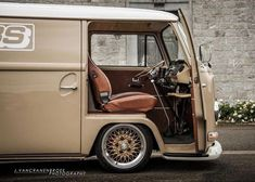 Classic Car News Pics And Videos From Around The World Vw T2 Camper, Vw Bus T2, Volkswagen Bus, Vw T1, Motorhome, Combi Wv, Bus Interior, Vanz, Cool Vans