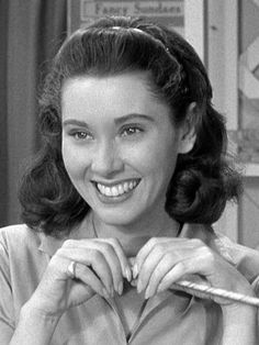 Seeing Elinor Donahue~ made me smile.  She was the older daughter in Father knows Best.