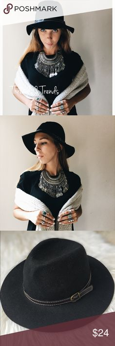 Black Boho Floppy Hat New boho & trendy floppy hats perfect for fall & winter. Made of a felt material. One size fits most. Accessories Hats