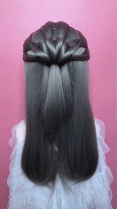 Braided hairstyle for long hair video tutorial simple and beautiful Braided hairstyle for long hair video tutorial simple and beautiful<br> Short Hair Updo, Easy Hairstyles For Long Hair, Braids For Long Hair, Cute Hairstyles, Braided Hairstyles, Hairstyles Videos, Hair Up Styles, Medium Hair Styles, Hair Tutorials For Medium Hair