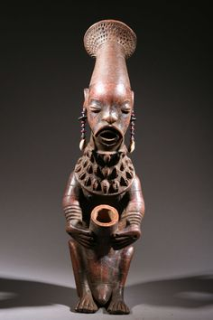 Africa | Vessel from the Mangbetu people of DR Congo | Terracotta, shells and glass beads