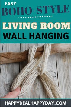 Boho Livingroom Yarn Wall Hanging Tutorial - learn how to make a boho style wall hanging with driftwood, yarn and wooden beads! You only need to know how to braid! Boho Diy, Boho Decor, Yarn Wall Hanging, Wall Hangings, How To Make Paper Flowers, Diy Apartment Decor, Farmhouse Decor, Farmhouse Ideas, Vintage Farmhouse