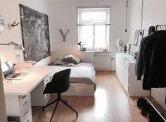 Bright room in shared flat with layer and modern furnishings. Bright room in shared flat with layer and modern furnishings. The post Bright room in shared flat with layer and modern furnishings. appeared first on Schreibtisch ideen. Room Ideas Bedroom, Small Room Bedroom, Bedroom Decor, Bedroom Ideas For Small Rooms, Bedroom Furniture, Luxury Furniture, Bedroom Black, Bedroom Inspo, Apartment Living