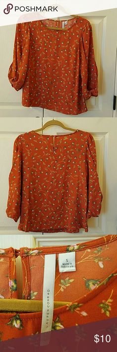 Lauren Conrad Top EUC Super cute Top!  Has 3/4 length sleeves. Buttons at back of neck. Has cute bow detail at bottom of sleeve. Only worn once. No flaws. LC Lauren Conrad Tops Blouses