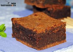 Chocolate and peanut brownie. Brownie de chocolate y crema de avellana