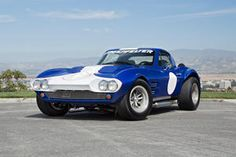Superformance takes all that is lust-worthy in a vintage race car and leaves the rest in the past. See the Superformance Corvette Grand Sport here! Old Corvette, Chevrolet Corvette, Chevy, Sports Car Racing, Sport Cars, Lingenfelter Corvette, Car Experience, Corvette Grand Sport, New Bmw