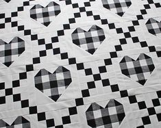 Farmhouse Hearts is here! 🖤 This fun quilt combines plaid hearts with the Irish Chain block for a classic and timeless look. Modern Quilt Patterns, Pdf Patterns, Baby Quilt Patterns, Modern Quilting, Crazy Quilting, Quilting Patterns, Black And White Quilts, White Plaid, Gingham