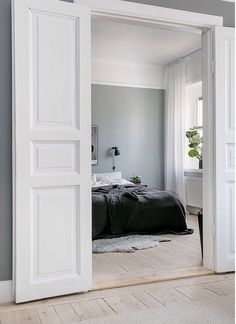 60 Interior Doors Ideas You& Love Enjoy Your Time is part of Interior inspiration bedroom Glass interior doors provide a variety of benefits to home owners They provide insulation and also deal - Door Design Interior, Interior Barn Doors, Modern Interior, Nordic Interior, Bedroom Door Decorations, Room Decor, Bedroom Doors, Home Bedroom, Internal Double Doors