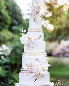 We never tire of seeing intricate sugar peonies and these even feature gilded leave! Be still, our beating hearts! | Photography By: Blush Wedding Photography | WedLuxe Magazine | #WedLuxe #Wedding #luxury #weddinginspiration #luxurywedding #cake