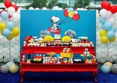 Uma graça essa festa Snoopy, fofa e colorida! Por @kiaravieiramartinsdecor - Foto @kim_parra_  #kikidsparty