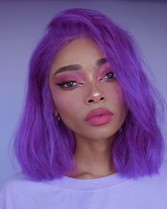 Neon Hair Fashion and neon hair colors I will talk about brave women in this article. Brave women and brave colors. When we close our eyes and think about ourselves and how we are beautif. Pretty Hairstyles, Wig Hairstyles, Style Hairstyle, Neon Hair Color, Eye Color, Violet Hair, Make Up Looks, Aesthetic Hair, Human Hair Wigs