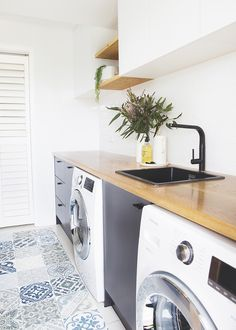 RAW Sunshine Coast – Custom Furniture, Joinery & Homewares – Home of RAW – etexture Modern Laundry Rooms, Laundry In Bathroom, Small Laundry, Sunshine Coast, Timber Benchtop, Utility Room Designs, Laundry Room Inspiration, Laundry Room Design, Tile Design