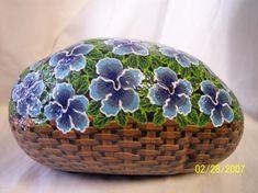 Resultado de imagen para flower painted rocks