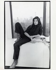susan sontag by annie leibovitz Susan Sontag, Annie Leibovitz, Artist Quotes, Writers And Poets, My People, Vintage Photographs, Powerful Women, Role Models, Style Icons
