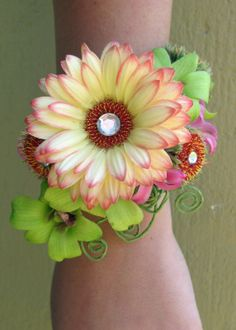 Unique Wrist Corsages for Prom | brac-3.jpg?fit=1600%2C1600