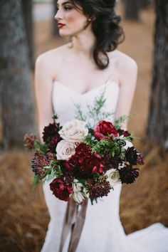 Marsala wedding makeup - Floral & Event Design: Cote Designs - Gilded Woodlands inspired elopement by Casto Photography & Cinema + Lauren Carnes (Assistant Photography) - via Magnolia Rouge (Model: Taylor Shaye) More inspiration Woodland Wedding, Autumn Wedding, Red Wedding, Wedding Bells, Floral Wedding, Wedding Colors, Wedding Styles, Wedding Flowers, Christmas Wedding Bouquets