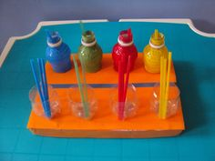 Teacch straws and bottles Autism Activities, Classroom Activities, Preschool Activities, Preschool Colors, Teaching Colors, Autism Classroom, Toddler Learning, In Kindergarten, Life Skills