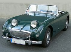 I can't help but smile back at the Austin Healey Frogeye Sprite! <3 this lil' guy