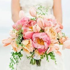 Calling All Spring Brides! 32 Beautiful Bouquets with Tulips