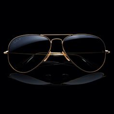 The 18 karat #Aviator all done up in solid gold @  http://neverhi.de/1fP72hY