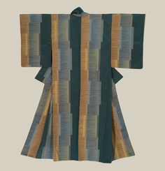 """An omeshi-woven silk kimono. Taisho era (1912-1926), Japan. The Kimono Gallery. An """"omeshi"""" silk kimono. Taisho era (1912-1926), Japan. The Kimono Gallery """"Omeshi"""" silk involve designs created with the ikat technique . It is a heavy crepe silk woven..."""