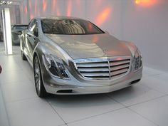 Mercedes F700 Concept. The shape of S classes to come