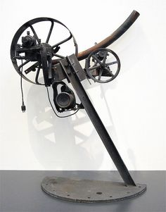 EVERYTHING MOVES, exposition Jean Tinguely