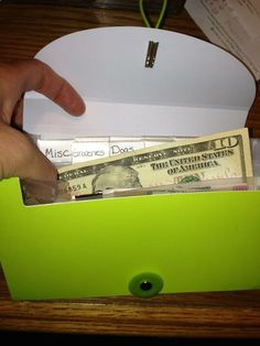 5 Easy Steps to Stop Living Paycheck to Paycheck..pin now read later