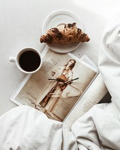 and croissant ritual at home. Reading in bed with # glasses. bed flatlay and croissant ritual at home. Reading in bed with # glasses. Coffee Break, Coffee Time, Morning Coffee, Coffee Coffee, Coffee Mornings, Morning Mood, Sweet Coffee, Black Coffee, Sunday Morning