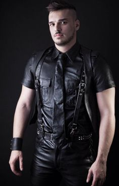 Next Leather generation looks strong with guys like Ash of Cardiff, Wales. Leather Fashion, Leather Men, Black Leather, Men's Fashion, How To Wear Suspenders, Leather Trousers, Leather Jacket, Motorcycle Leather, Sexy Men