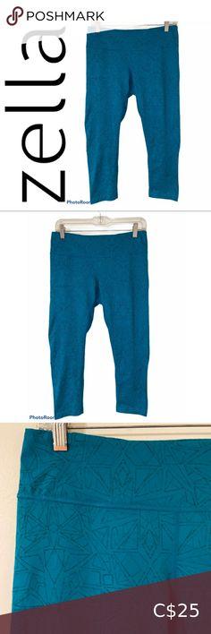 "Zella Turquoise Geometric Pattern Capri Leggings Geometric shapes, Capri Leggings, Key Pocket on top Approx measurements with item laying flat: Waist 14"", rise 8"", inseam 20"" Fabric: 85% polyester, 12% spandex C392 Zella Pants & Jumpsuits Leggings Coloured Leggings, Grey Leggings, Striped Leggings, Capri Leggings, Skinny Fit Jeans, Wide Leg Jeans, Extra Long Tank Tops, Mesh Panel Leggings, Leggings Fashion"