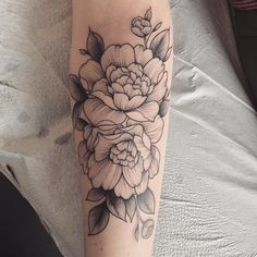 Floral tattoo designed by Vanessa (nessaaa_) from Vancouver Canada. Carnation Tattoo, Peonies Tattoo, Peony Flower Tattoos, Pretty Tattoos, Love Tattoos, Body Art Tattoos, Cover Up Tattoos, Mini Tattoos, Floral Tattoo Design